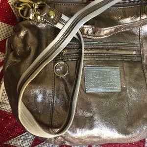 Coach Poppy gold handbag ✨